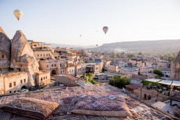 Sultan Cave Suites, Cappadocia - Between Beds