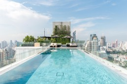 137 Pillars Suites & Residences, Bangkok - Between Beds