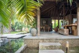Slow Private Pool Villas, Gili Air - Between Beds